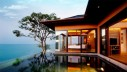 Bedroom-with-infinity-pool-665x377