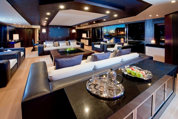 1-Leather-sofas-600x400