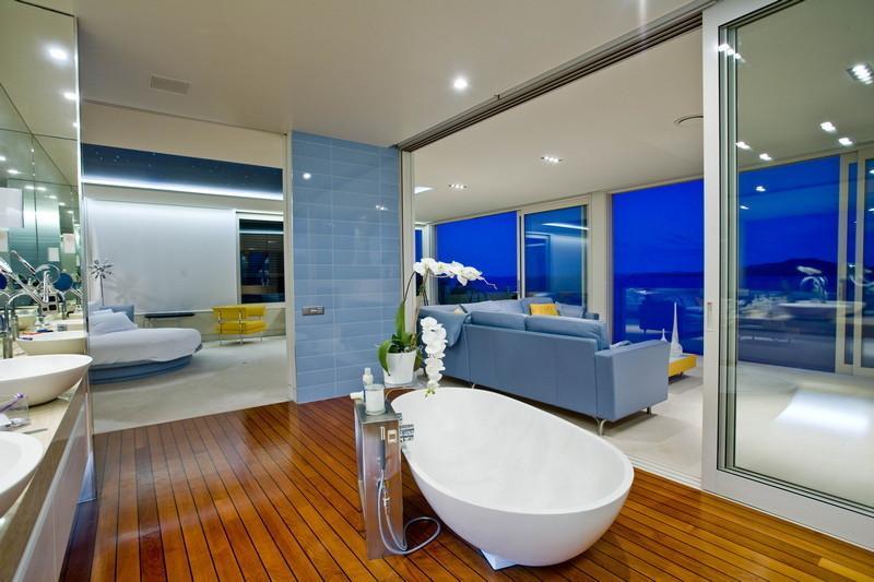 11-Freestanding-bathtub