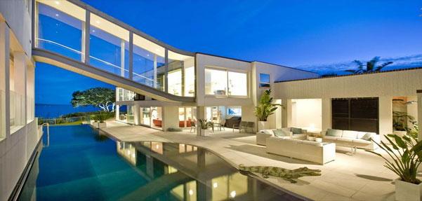 خانه ای روی دریا
