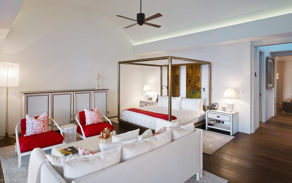 17-Red-white-bedroom-decor