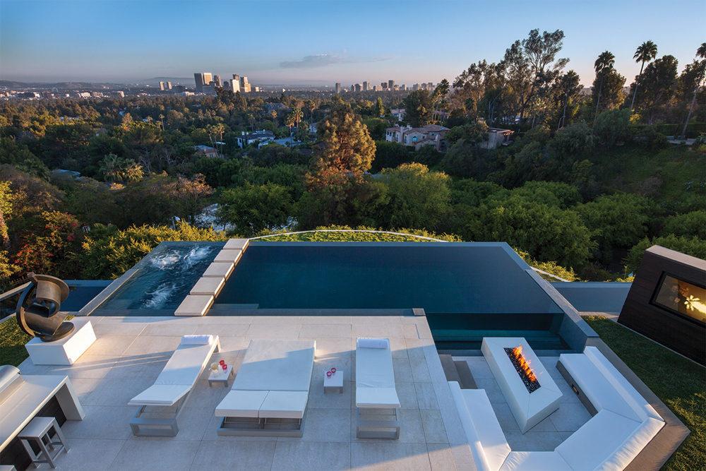 2-Contemporary-sun-terrace