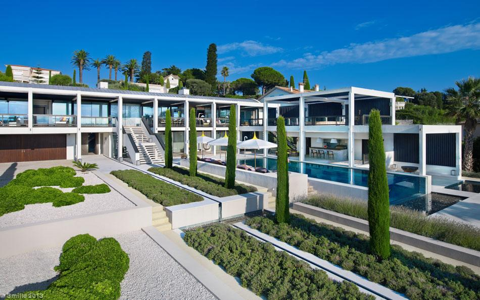 2-Poolside-landscaping