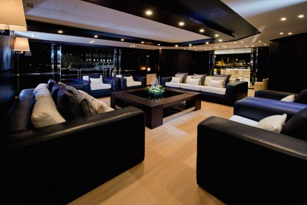3-Luxury-lounge-600x400