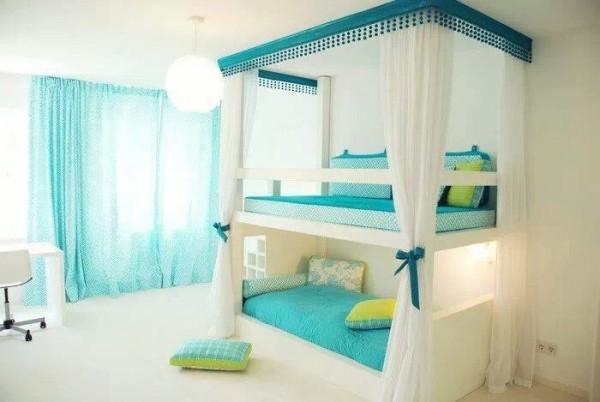 4-Bunk-beds-600x402