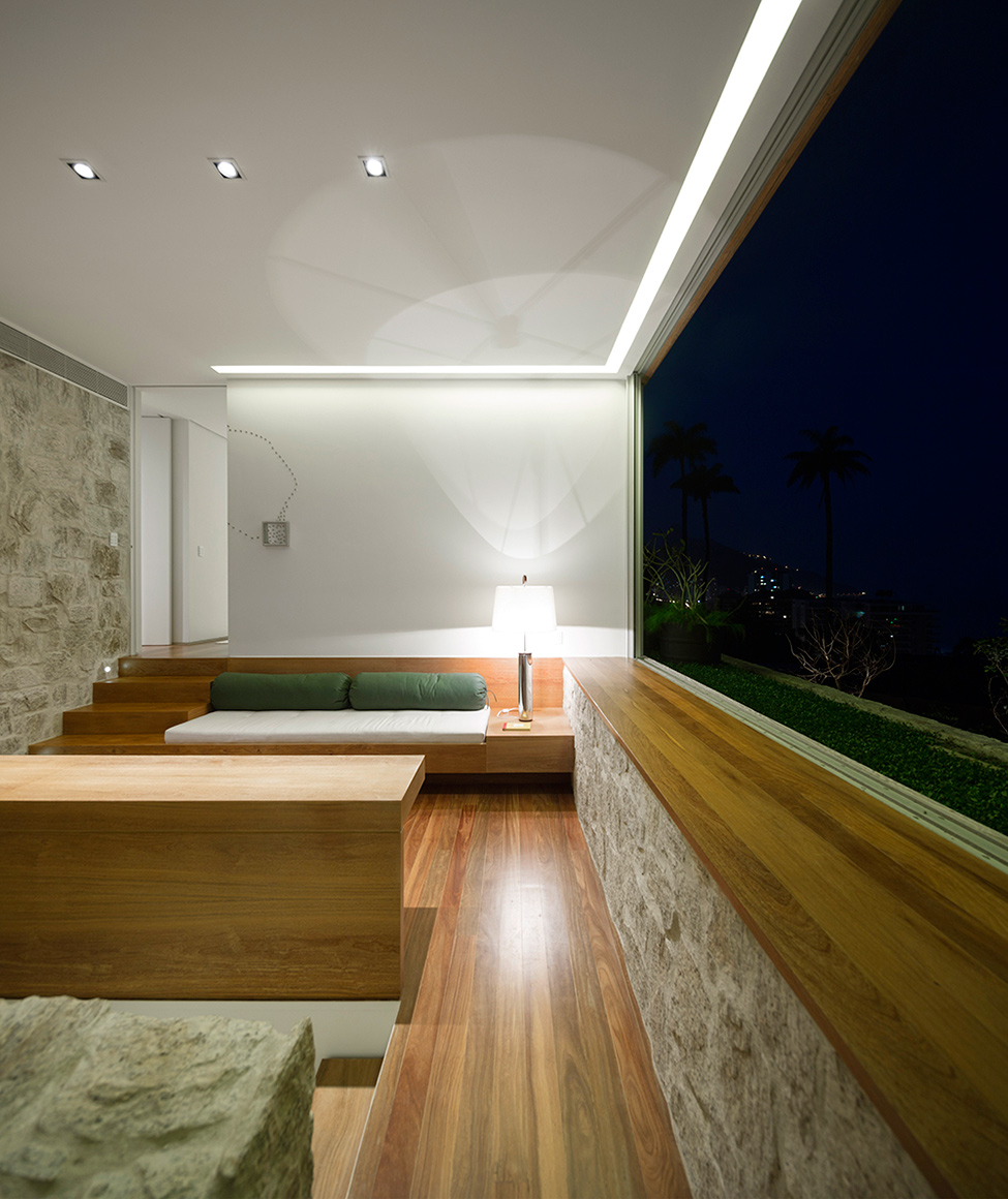 Luxury-Villa-in-Brazil-by-Studio-Arthur-Casas-5