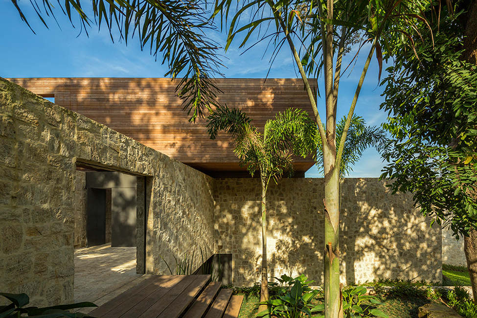 Luxury-Villa-in-Brazil-by-Studio-Arthur-Casas-8