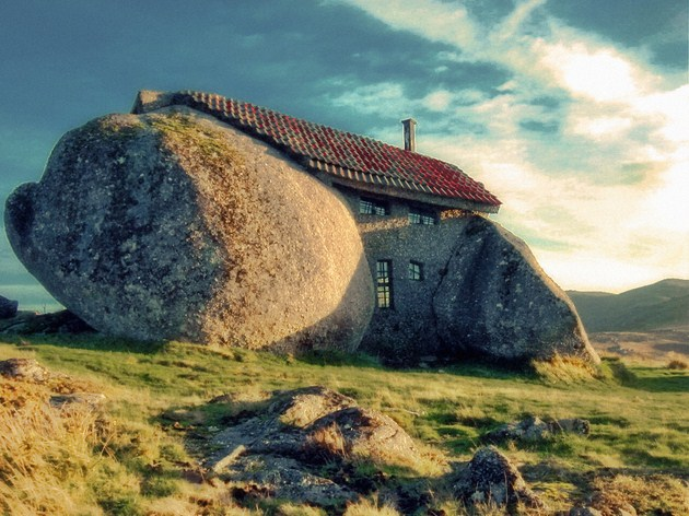 Stone-House-Guimarães-Portugal-Copy