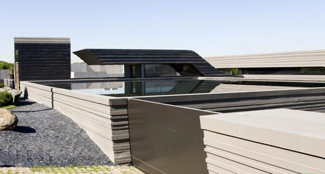 unique-roof-design-on-cristiano-ronaldo-home-designed-by-joaquin-torres