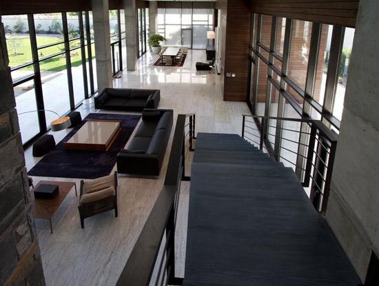 2011-8-8-The-Villa-Kiani-016