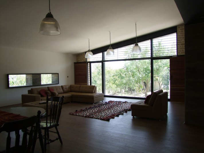 Walnut_Shell_House_in_Shiraz (14)