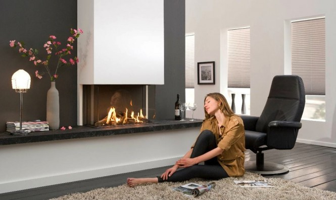 Black-white-living-room-fireplace-665x397