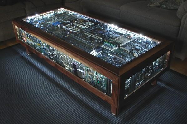 computer-coffee-table-600x401