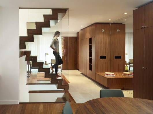 53a4f020c07a80a39300005f_house-in-the-beach-drew-mandel-architects_03_house_in_the_beach-530x397