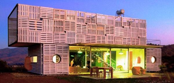 خانه ای انعطاف پذیر از مواد بازیافتی/manifesto