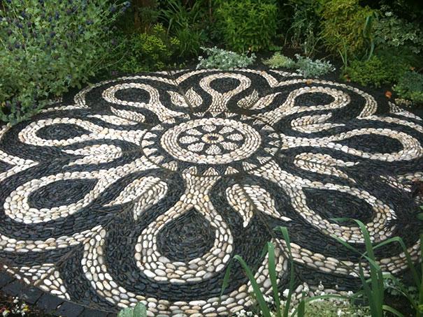 garden-pebble-stone-paths (1)
