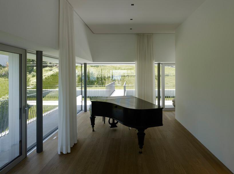marte-marte-architekten-house-by-the-lake-bregenz-designboom-06