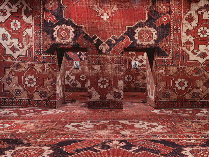 rudolf-stingels-carpet-installation-covers-venices-palazzo-grassi-designboom-02