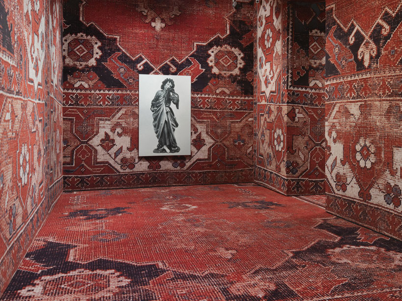rudolf-stingels-carpet-installation-covers-venices-palazzo-grassi-designboom-03
