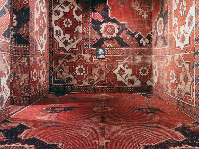 rudolf-stingels-carpet-installation-covers-venices-palazzo-grassi-designboom-08