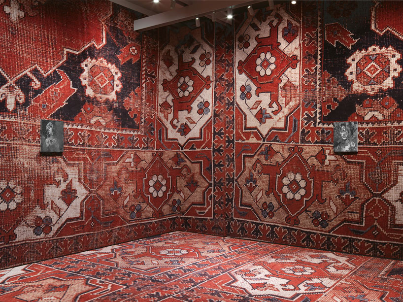 rudolf-stingels-carpet-installation-covers-venices-palazzo-grassi-designboom-09