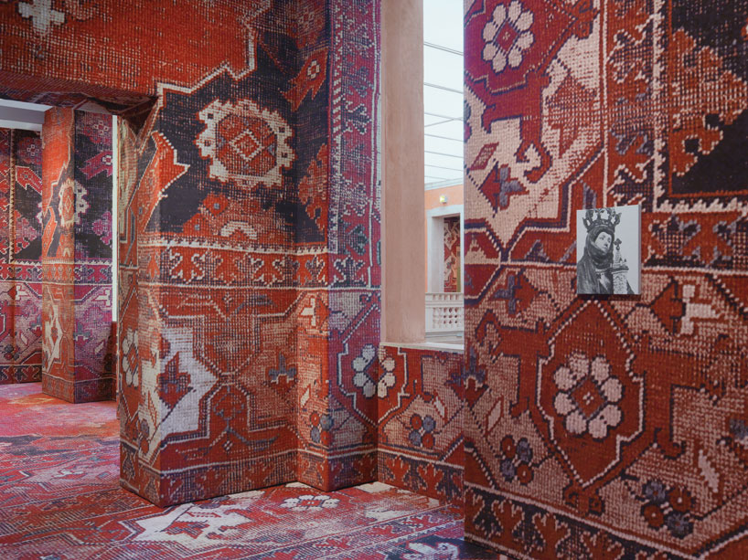 rudolf-stingels-carpet-installation-covers-venices-palazzo-grassi-designboom-33
