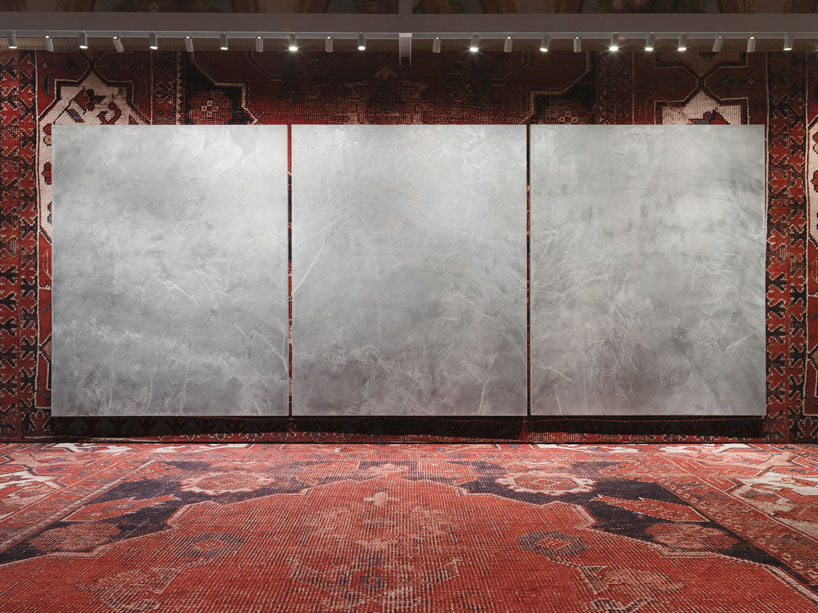 rudolf-stingels-carpet-installation-covers-venices-palazzo-grassi-designboom-45