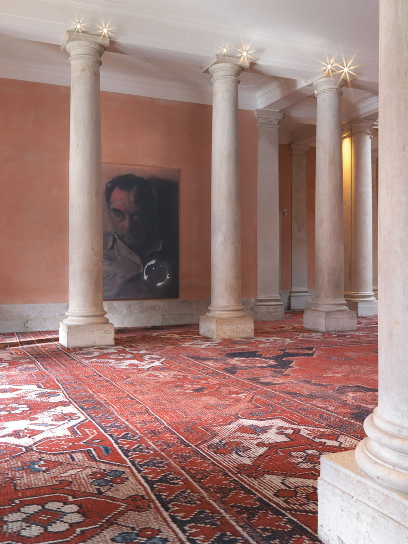 rudolf-stingels-carpet-installation-covers-venices-palazzo-grassi-designboom-49
