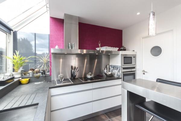 stainless-steel-kitchen-design-600x400