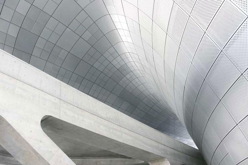zaha-hadid-dongdaemun-design-park-plaza-designboom-02