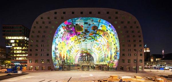 بازار بزرگ تونلی شکل