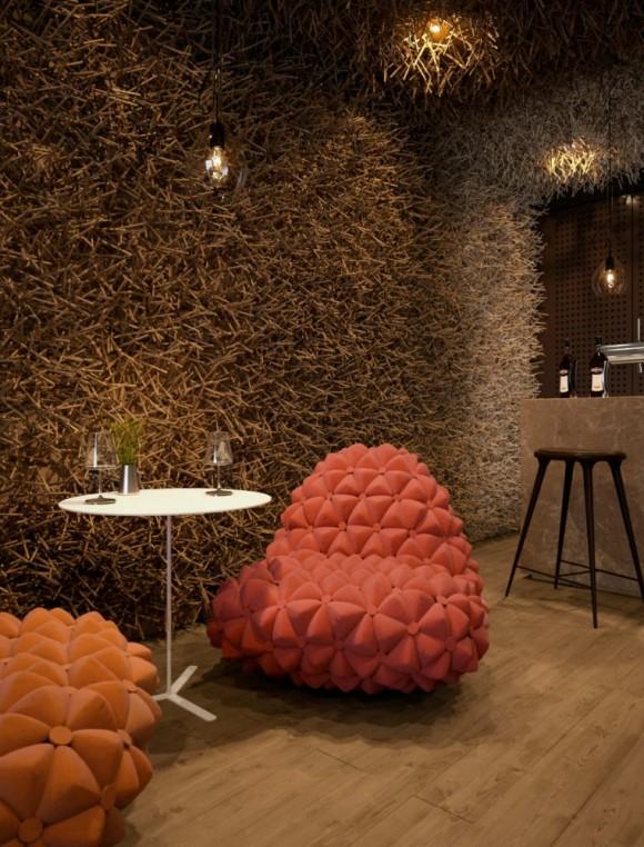 Twister-Restaurant-Small-Dining-Table-Interior-Design-580x762