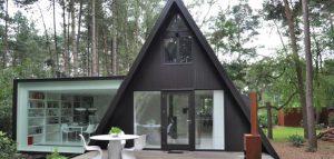 خانه کوچک و فانتزی در میان جنگل / بلژیک