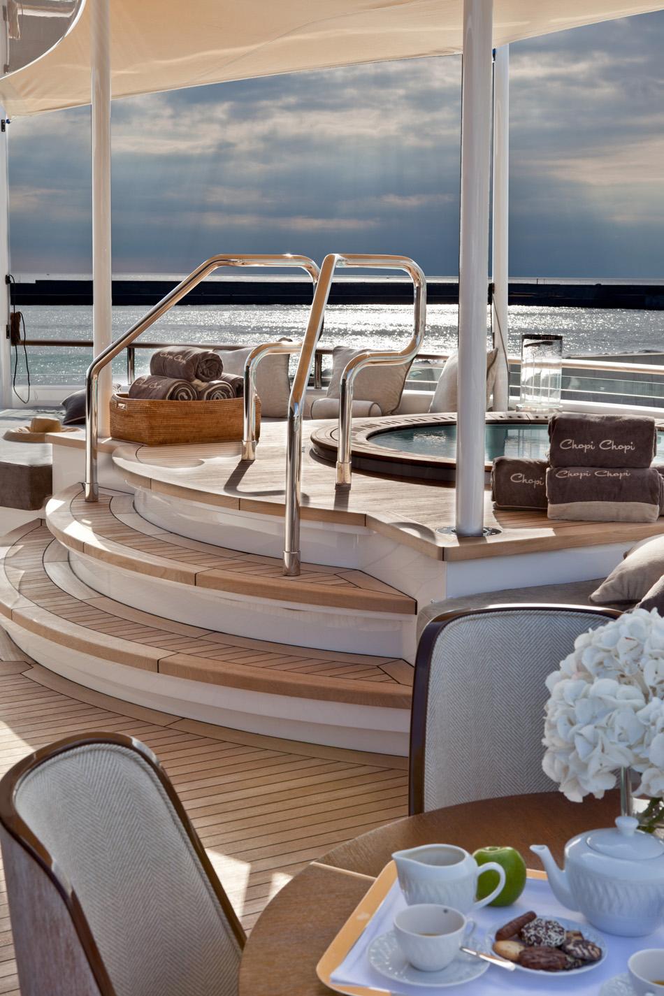 crn-mega-yachts-chopi-chopi-designboomg06