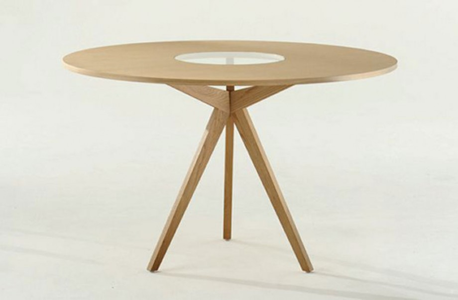 motley-round-dining-table-920x604