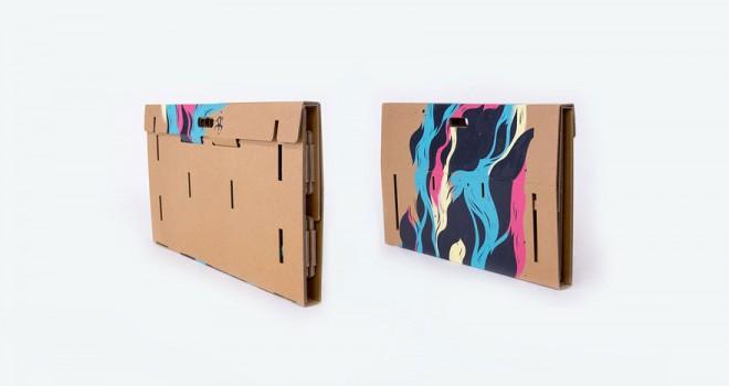 refold-portable-cardboard-standing-desk-12-660x350