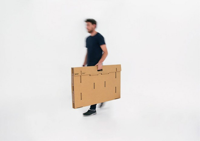 refold-portable-cardboard-standing-desk-5-660x465