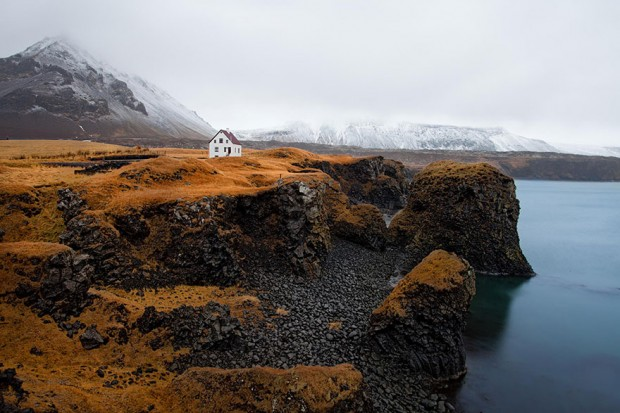 small-house-grand-nature-landscape-photography-5__880-620x413