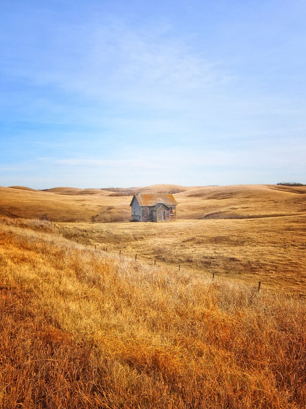 small-house-grand-nature-landscape-photography-6__880-620x828