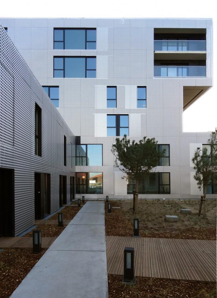 540503a9c07a803f00000051_le-havre-cote-docks-vauban-philippe-dubus-architecte_dsc01072-t-modif-729x1000