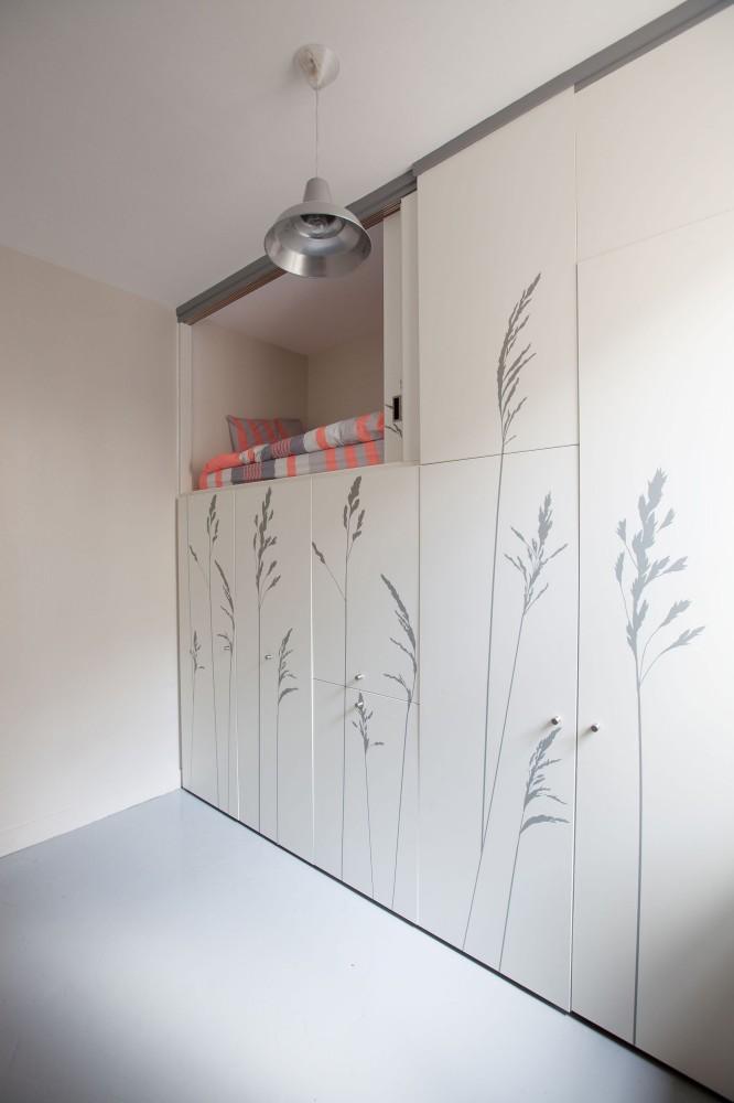 544efd1ae58ece63a80000be_tiny-apartment-in-paris-kitoko-studio_img_9345-666x1000