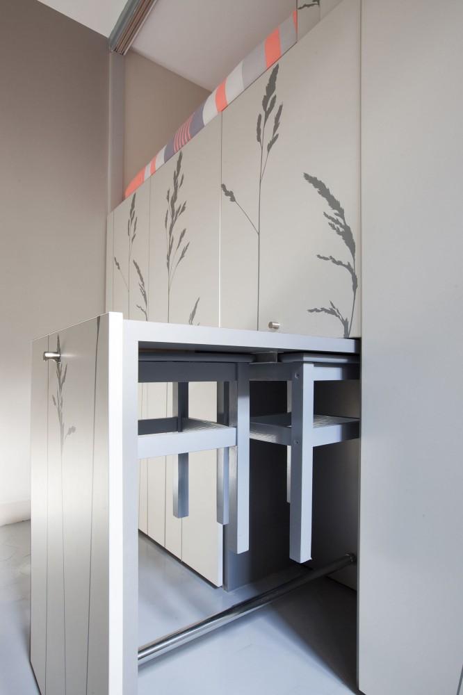 544efd5ee58ece63a80000c0_tiny-apartment-in-paris-kitoko-studio_img_9506-666x1000