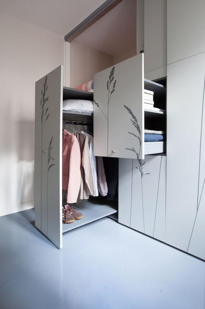 544efd96e58ecea3a00000d9_tiny-apartment-in-paris-kitoko-studio_img_94311-666x1000