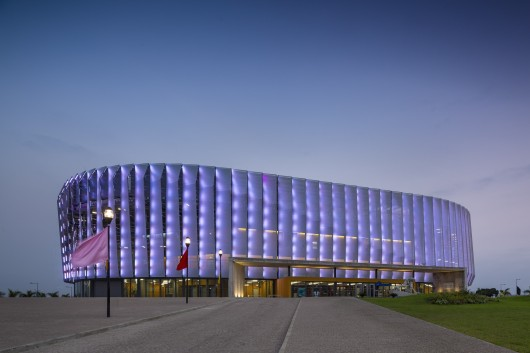 5451a33ae58ece6401000050_luanda-multisports-pavilion-berger-arquitectos__gg_0262-530x353