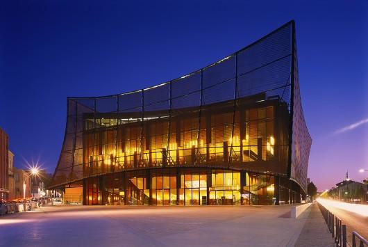 54582e4fe58ece640100021f_albi-grand-theater-dominique-perrault-architecture_albi_grand-theatre-env_2014_gf_11-530x355