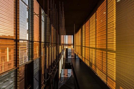 54582ef2e58ece3ef6000245_albi-grand-theater-dominique-perrault-architecture_albi_grand-theatre_2014_vb_32-530x353