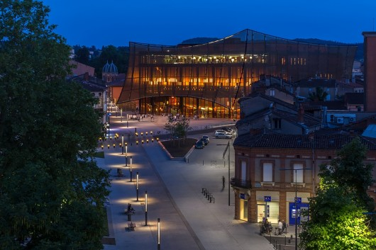 54583049e58ece640100022b_albi-grand-theater-dominique-perrault-architecture_albi_grand-theatre_2014_vb_58-530x353