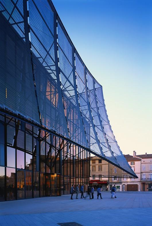 54583096e58ece3ef6000250_albi-grand-theater-dominique-perrault-architecture_albi_grand-theatre-maille-ext_2014_gf_05-530x789