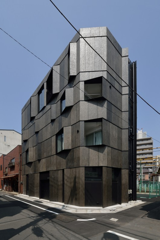 546d5175e58ece1d36000074_kuro-building-kino-architects_0013-530x794