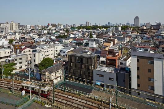 546d523fe58ece1d36000079_kuro-building-kino-architects_hikb_106-530x353